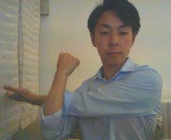 肩甲骨内側のコリが治らない奈良県葛城市の男性