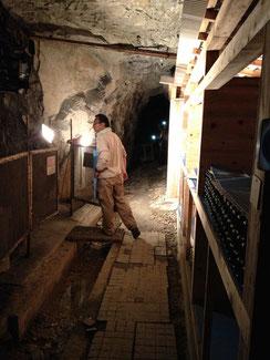 石炭の坑道が絶妙のワインセラーになっている。