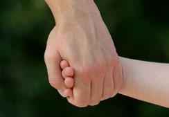 Kindern mit einer Fördermitgliedschaft helfen - Kleine Patienten in Not e.V.