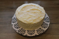froste cake with white chocolate frosting