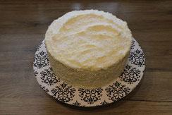 Torte mit weißer Schokoladencreme