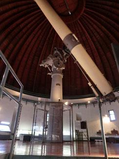 ●中にあった巨大な望遠鏡(65cm屈折望遠鏡)