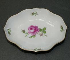 Meissen, Porzellan Schale, Meissener Rose, Neuer Ausschniitt, Goldrand, 15,5 cm, € 55,00