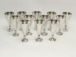 12 x Schnapsbecher, Silverplated, Sechseckiger Fuss, 60 ml, 11,5 cm, € 180,00