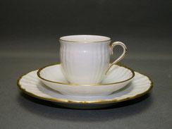 3-Teiliges Kaffeegedeck, Porzellan, KPM Berlin, Rocaille, Goldrand, 125 ml, € 65,00