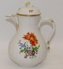 Meissen, Porzellan Kaffeekanne, Neubrandenstein, Blume, Goldrand 1,2 ltr., € 270,00