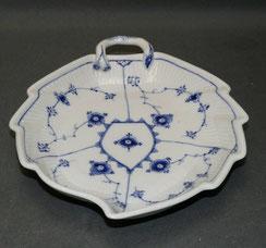 Bing & Gröndahl,, Porzellan Blattschale, Bla malet, Strohblume, 23 cm x 19,0 cm, € 99,00