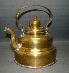 Antiker Messing Wasser Kessel, Kupferboden, 1850, 3,75 ltr., € 85,00