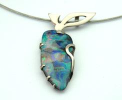 Pendentif or blanc et opale - collier femme