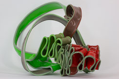 KAundMA, 87, RIBBONS, 2016, plastic-granulate, 46x80x45cm