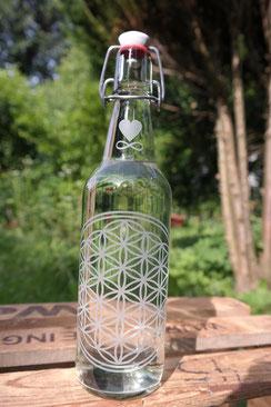 glas 500ml wasser trink-flasche bügelverschluß keramik soulbottle blume des lebens freiglas regional reinheit energetisieren sauber