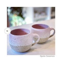 Spots Cups m. Henkel 03 weiß/rosa, ©Keramikatelier Sabine Schönbohm