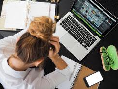 Stress im Job - was tun? Vita Consulting hilft bei zu viel Leistungsdruck, Psychologische Beratung, Psychologin Jasmin Ottitsch