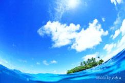 ジープ島の半水面写真