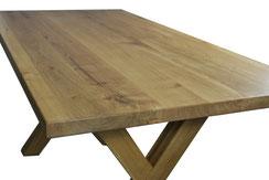 Esstisch-aus-Eiche-mit-Tischgestell