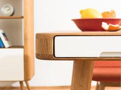 ENA-Esstisch-mit-Schubladen-von-Gazzda-im-Wohnzimmer