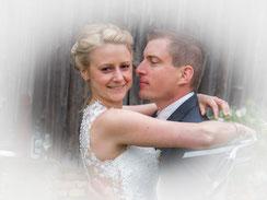 Mit einem Brautpaar, das überglücklich ist …