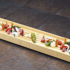 白木のバットなど、刺身や天ぷらを盛り付けるのに最適です。