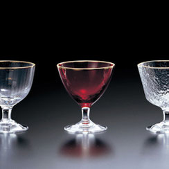 繊細なガラスの珍味入れシリーズです。
