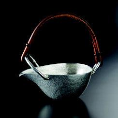 錫を用いた、日本酒をまろやかにするシリーズです。