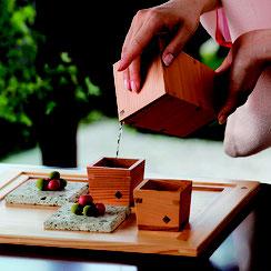 すぎの匂いが日本酒に合う、日本らしい酒器シリーズです。
