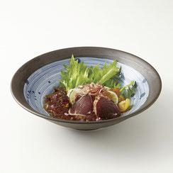 染付けのデザインを施した和食に最適なシリーズです。