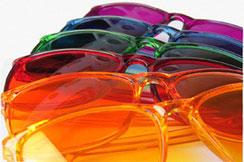 durch farbige Brillen energetisch aufladen