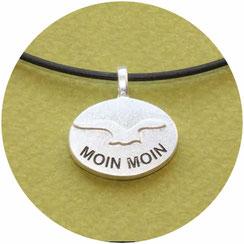 Bild: Anhänger mit Möwe,ovale Form, Schriftzug Moin Moin