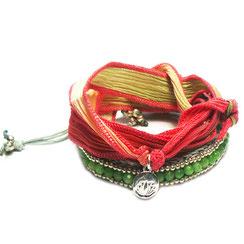 Armband, Macrame Flechtarmband kombiniert mit lässigem Seidenarmband.