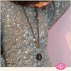 """extravagante goldene Glasperlenketten ::: Lange Kette aus Glasperlen """"opera""""- Kette mit großem natürlichem braunen Rauchquarzanhänger ::: Steinkette"""
