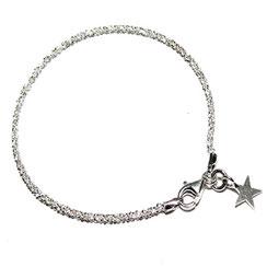 Stilvolles fein fliesendes 925 er Silberarmband. Das Armband eignet sich perfekt zum Ausgehen und für ein festliches Outfit eignet.
