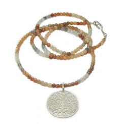 Damenkette, Edelsteinkette, Halskette Mondstein, lange Mondsteinkette in puderfarben mit Silberanhänger