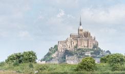 Villedieu-les-Poêles / Le Mont-Saint-Michel / Deutsche Kriegsgräberstätte Mont d'Huisnes