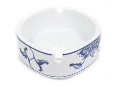 Viereckiger Aschenbecher aus hochwertigem Porzellan aus Taiwan und China der Marken Tatung, Li, Cameo und Datung. In verschiedenen Größen und Motiven erhältlich.