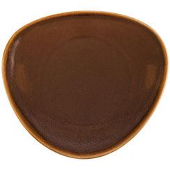 Flache dreieckige Teller mit abgerundetem Rand aus Porzellan Olympia Kiln. In verschiedenen Größen und Farben erhältlich.
