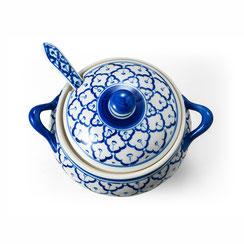 Schale für Suppen oder Reis. Mit passendem Deckel und Löffel im blau-weißen Porzellan.