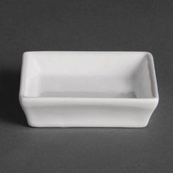 Flache viereckige Schale für Gewürze oder Beilagen aus weißem Olympia Porzellan. Ideal für die hohen Ansprüche in der Gastronomie.