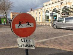 Détournement de panneau réalisé à Narbonne
