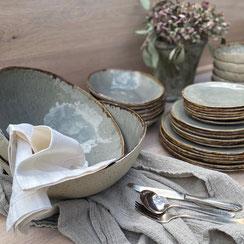 Geschirr, Grau mit braunem Rand, Steinzeug