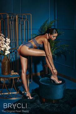 Bracli Sydney Perlenstring Panty in blau