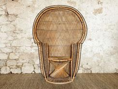 fauteuil Emmanuelle peacock chair vintage