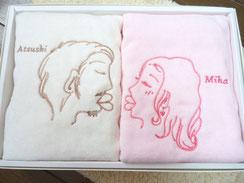 アイボリーとピンクのタオル