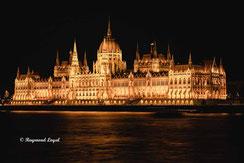 budapest parlamentsgebaeude