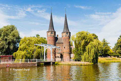 delft holland oostpoort canal