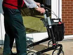 marche et équilibre chez la personne âgée
