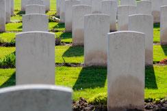 Soldatenfriedhof mit Grabsteinen