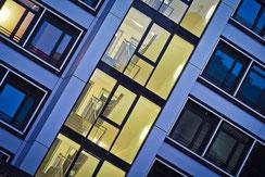 AVAXX Gebäudereinigung in Stuttgart ist Ihr moderner, kompetenter und flexibler Dienstleister für professionelle Gebäudereinigung in Verwaltungsgebäuden, Bürogebäuden, Unternehmen und gewerblichen Anbietern.