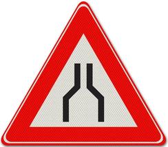 Verkeersbord - wegversmalling - onverzoenbare visies