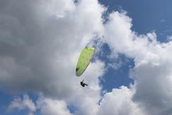 Axis paragliders Compact 3, une aile parfaite pour les débutants et les écoles