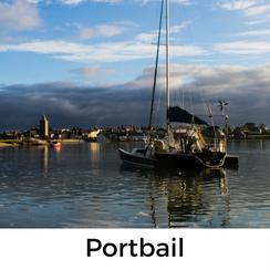 Urlaub mit Hund auf dem Cotentin: Portbail ist eine kleine Hafenstadt mit sehr viel Charme